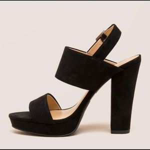Report Lawren Wide Strapped Black Heels